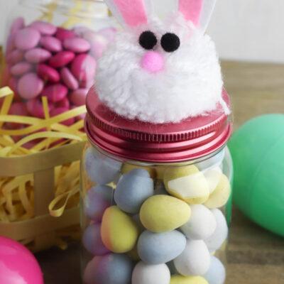 Mason Jar Easter Crafts: DIY Easter Bunny Treat Jars