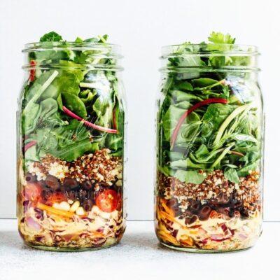 33 Totally Delicious Mason Jar Salad Recipes