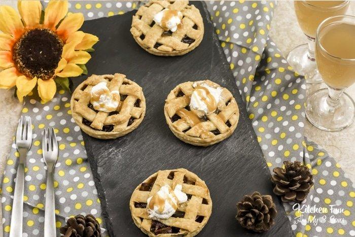 mason jar lid mini apple pies
